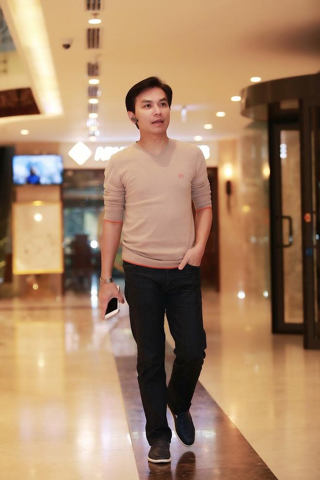 Hình ảnh bảnh bao của ca sĩ Mạnh Quỳnh ở Hà Nội - Ảnh 1.