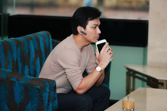 Hình ảnh bảnh bao của ca sĩ Mạnh Quỳnh ở Hà Nội - Ảnh 3.