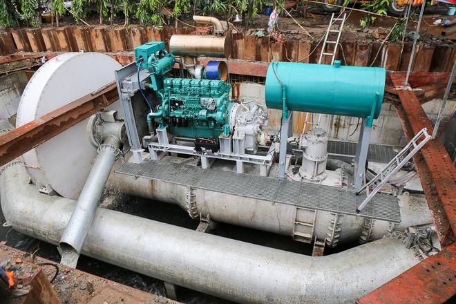 """Cận cảnh """"siêu máy bơm"""" chống ngập hút sạch nước trong 13 phút ở Sài Gòn - Ảnh 1."""