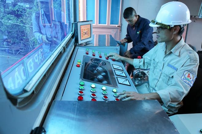 """Cận cảnh """"siêu máy bơm"""" chống ngập hút sạch nước trong 13 phút ở Sài Gòn - Ảnh 4."""