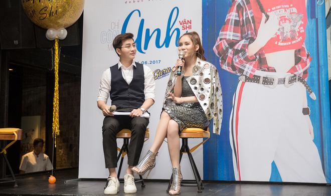 Hot girl đình đám Hà thành gây chú ý khi ngồi xe 15 tỷ đến sự kiện - Ảnh 7.