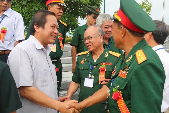 Bộ trưởng Trương Minh Tuấn: Mỗi tấc đất đều có xương máu của cha anh - Ảnh 2.