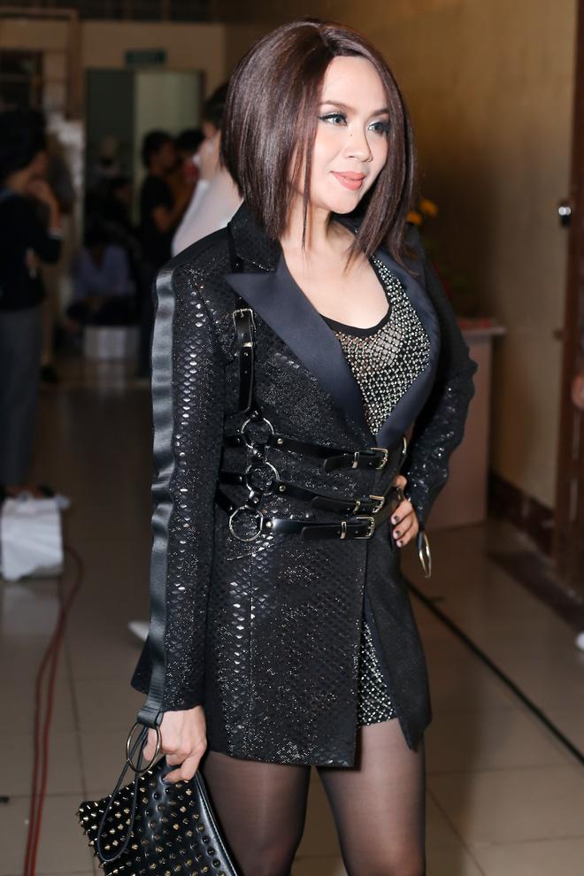 """Lưu Thiên Hương hoảng sợ khi bị giật túi xách sau chung kết """"The Remix"""" - Ảnh 1."""