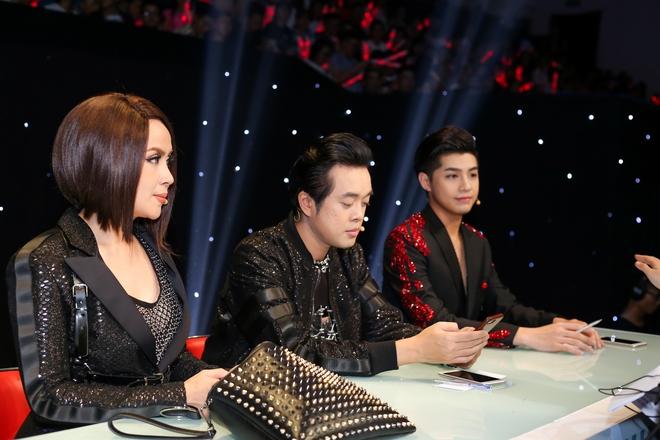 """Lưu Thiên Hương hoảng sợ khi bị giật túi xách sau chung kết """"The Remix"""" - Ảnh 2."""
