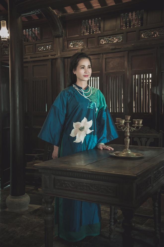 NSND Lan Hương làm người mẫu sau khi nghỉ hưu  - Ảnh 3.