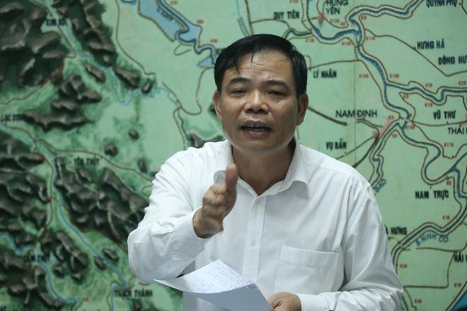Giám đốc TT Dự báo KTTVTƯ khẳng định dũng cảm khi đưa ra hai phương án cho bão số 11 - Ảnh 2.