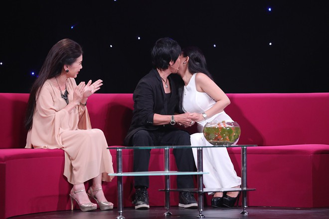 Lê Huỳnh công khai vợ trẻ hơn 20 tuổi sau khi chia tay Kiều Oanh - Ảnh 2.