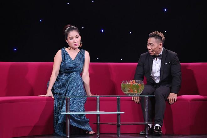 Lê Huỳnh công khai vợ trẻ hơn 20 tuổi sau khi chia tay Kiều Oanh - Ảnh 4.