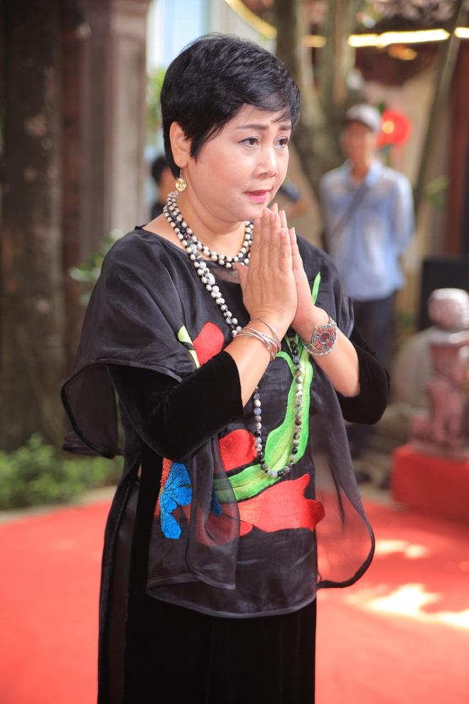 MC Thảo Vân bất ngờ thể hiện giọng hát trong Lễ giỗ Tổ nghề - Ảnh 3.
