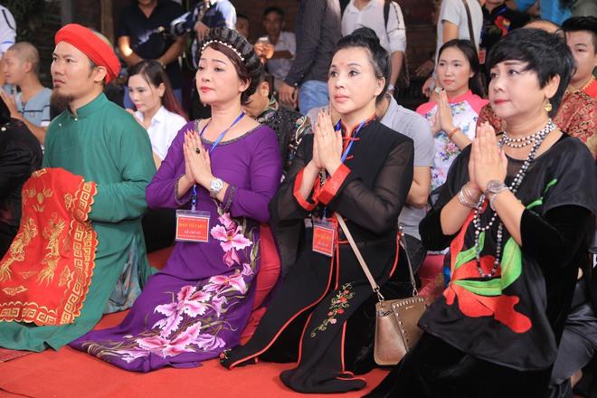 MC Thảo Vân bất ngờ thể hiện giọng hát trong Lễ giỗ Tổ nghề - Ảnh 8.