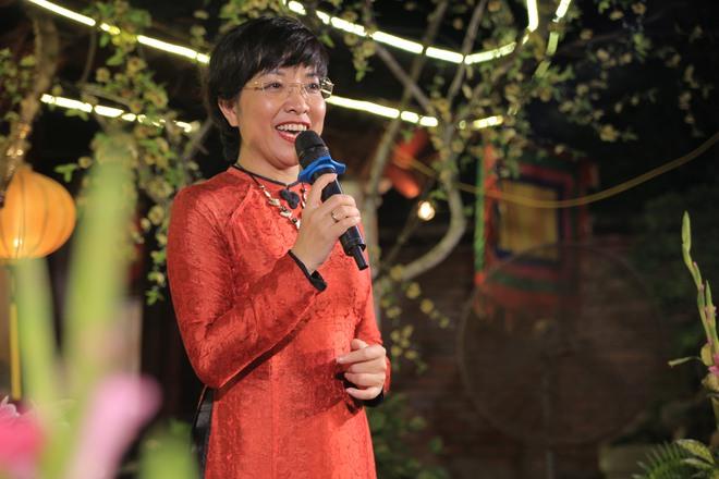MC Thảo Vân bất ngờ thể hiện giọng hát trong Lễ giỗ Tổ nghề - Ảnh 12.