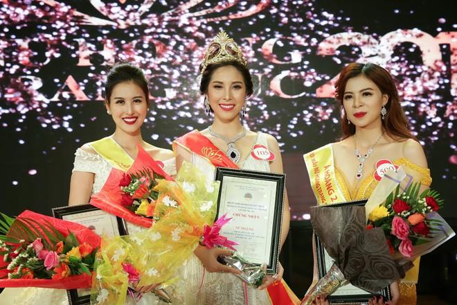 Sau 8 năm làm hot girl, Hà Lade trở thành Á hoàng cuộc thi Nữ hoàng Trang sức - Ảnh 3.