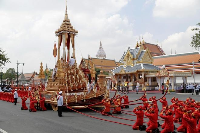 Toàn cảnh lễ hỏa táng cố Quốc vương Thái Lan Bhumibol - Ảnh 17.