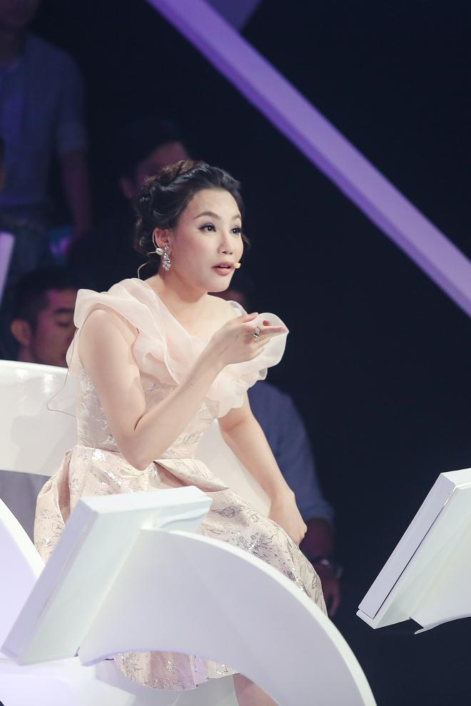 Hồ Quỳnh Hương làm giám khảo, bất ngờ gặp lại hàng xóm ở quê đi thi hát - Ảnh 2.