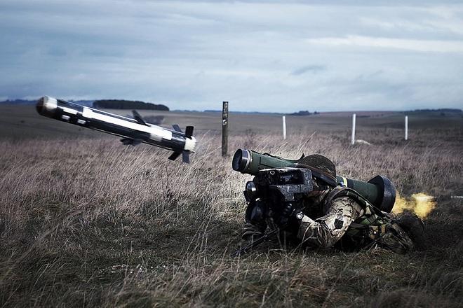 Ác mộng của quân ly khai miền Đông: Quân đội Ukraine đã có tên lửa chống tăng Javelin - Ảnh 3.