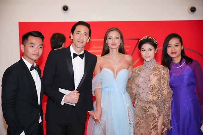 Ngọc Thanh Tâm mặc gợi cảm, đọ sắc cùng dàn sao Hollywood tại Cannes 2017 - Ảnh 9.