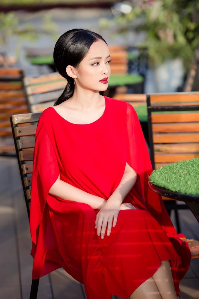 Diện đầm đỏ đi sự kiện, diễn viên Thanh Trúc xinh đẹp nổi bật - Ảnh 11.