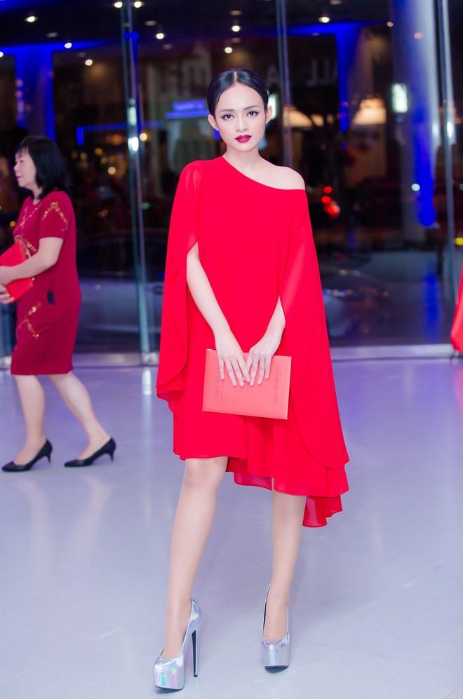 Diện đầm đỏ đi sự kiện, diễn viên Thanh Trúc xinh đẹp nổi bật - Ảnh 2.