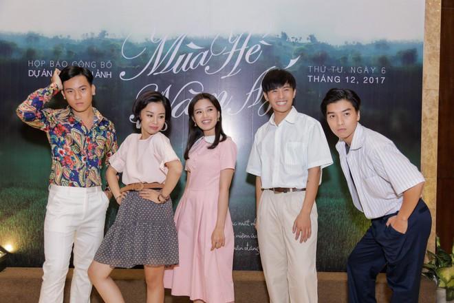 Ngọc Trai, Gin Tuấn Kiệt khoe vẻ nhí nhố khi mặc trang phục cũ kĩ - Ảnh 3.