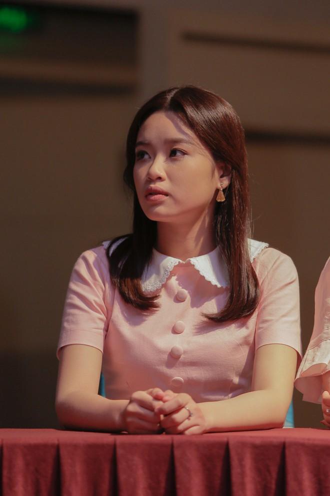 Ngọc Trai, Gin Tuấn Kiệt khoe vẻ nhí nhố khi mặc trang phục cũ kĩ - Ảnh 7.