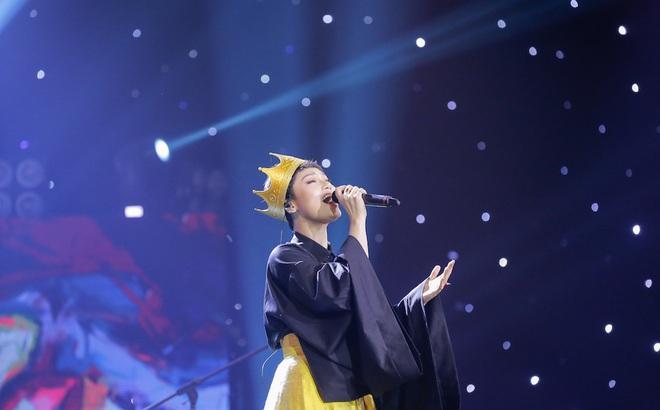 Miu Lê bị chê bai hát yếu ớt, thiếu nghiêm túc trên sóng truyền hình