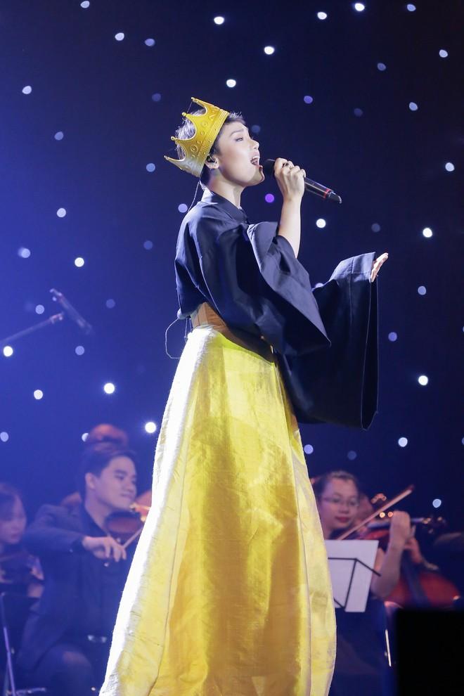 Miu Lê bị chê bai hát yếu ớt, thiếu nghiêm túc trên sóng truyền hình - Ảnh 1.