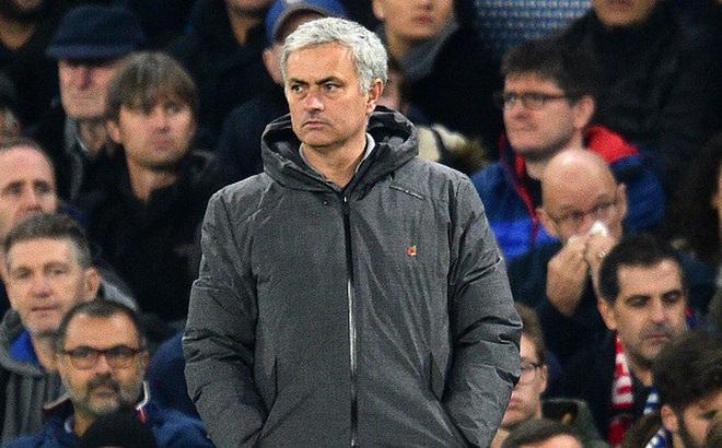 BÁO ĐỘNG cho M.U: Mourinho đã trở thành biểu tượng thất truyền