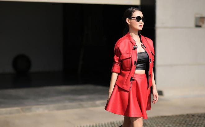 Hoa hậu quý bà Sương Đặng tự tin diện váy ngắn gợi cảm dù đã U50