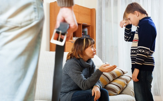 Mắc 10  thói quen không hay dưới đây, con bạn sẽ trở nên khó dạy và xấu tính - Ảnh 1.