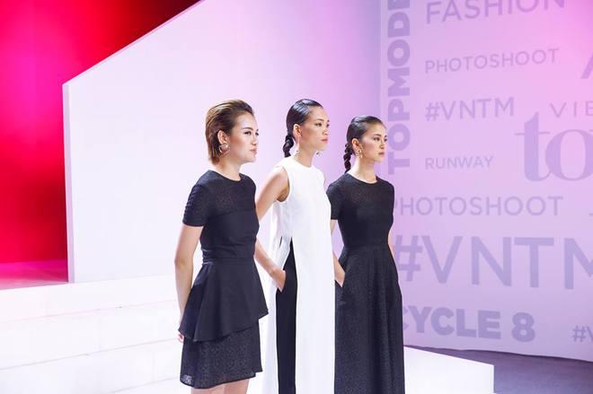 Lộ nhược điểm cơ thể khi chụp với trăn, Thùy Trâm bị loại khỏi Vietnams Next Top Model - Ảnh 3.