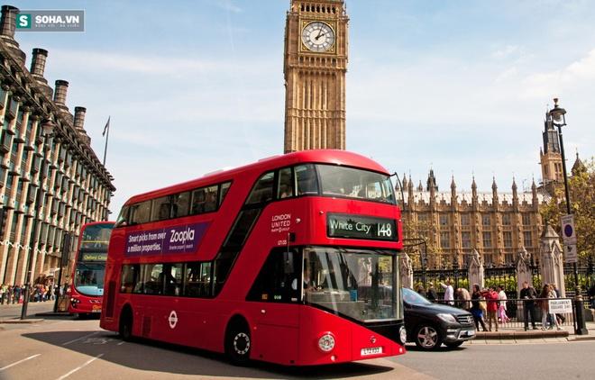 Tại sao hầu hết xe buýt ở London chỉ sơn màu đỏ? - Ảnh 1.