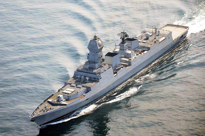 Bộ trưởng BQP Ấn Độ: Việt Nam là ưu tiên số 1 - Tàu chiến, tên lửa Brahmos luôn sẵn sàng - Ảnh 1.