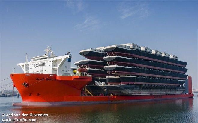 Blue Marin: Siêu tàu hiếm hoi gánh được cả giàn khoan dầu trên lưng - Ảnh 3.
