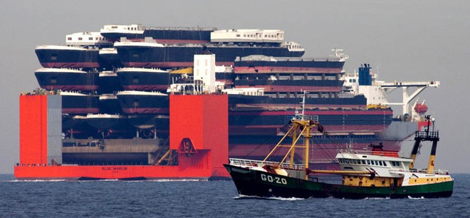 Blue Marin: Siêu tàu hiếm hoi gánh được cả giàn khoan dầu trên lưng - Ảnh 6.