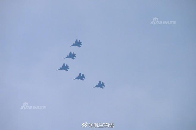 Vì sao phi đội tiêm kích Su-30SM chưa thể hạ cánh xuống Nội Bài? - Ảnh 6.