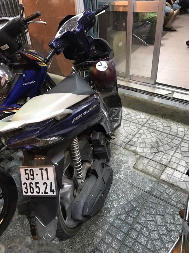 Du khách nước ngoài khai chích điện, cướp xe Grab bike vì bị chặt chém - Ảnh 2.