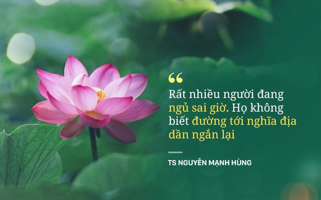 TS Nguyễn Mạnh Hùng: Rất nhiều người đang ngủ sai giờ. Họ không biết đường tới nghĩa địa dần ngắn lại - Ảnh 1.