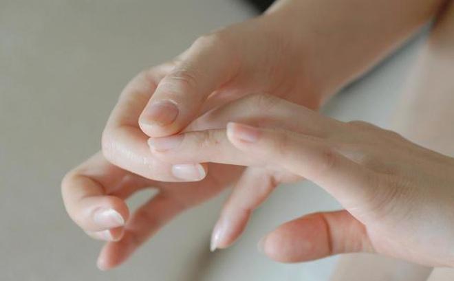 Dấu hiệu cảnh báo cơ thể có bệnh thể hiện trên 5 ngón tay: Hãy xem ngay để 'khám' kịp thời