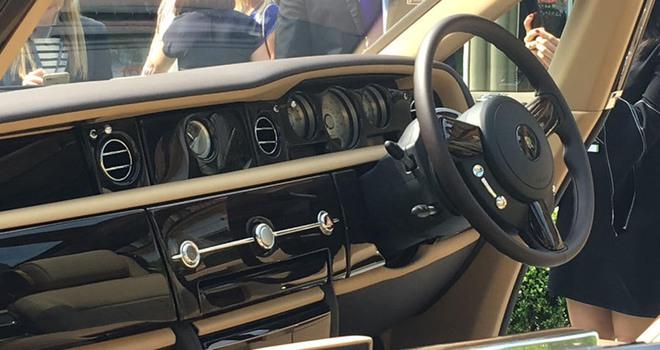 Rolls-Royce cho ra mắt mẫu xe trị giá 290 tỷ, đắt nhất mọi thời đại - Ảnh 11.