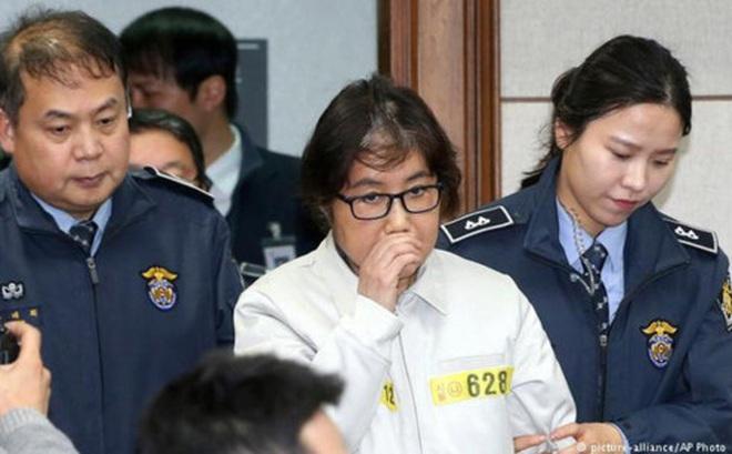Bạn thân cựu Tổng thống Hàn Quốc bị đề nghị mức án 7 năm tù