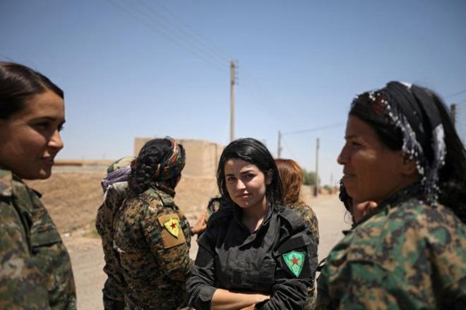 Hình ảnh các lực lượng Syria rầm rộ tiến về thủ phủ IS ở Raqqa - Ảnh 4.