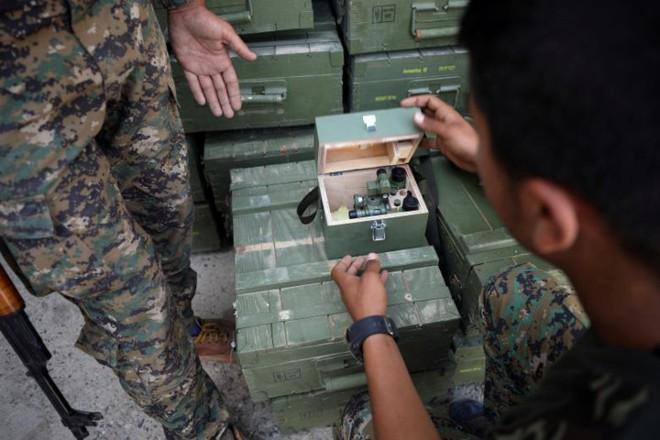 Hình ảnh các lực lượng Syria rầm rộ tiến về thủ phủ IS ở Raqqa - Ảnh 8.