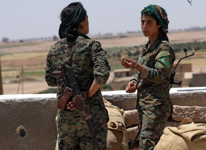 Hình ảnh các lực lượng Syria rầm rộ tiến về thủ phủ IS ở Raqqa - Ảnh 9.