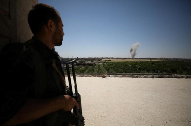 Hình ảnh các lực lượng Syria rầm rộ tiến về thủ phủ IS ở Raqqa - Ảnh 10.