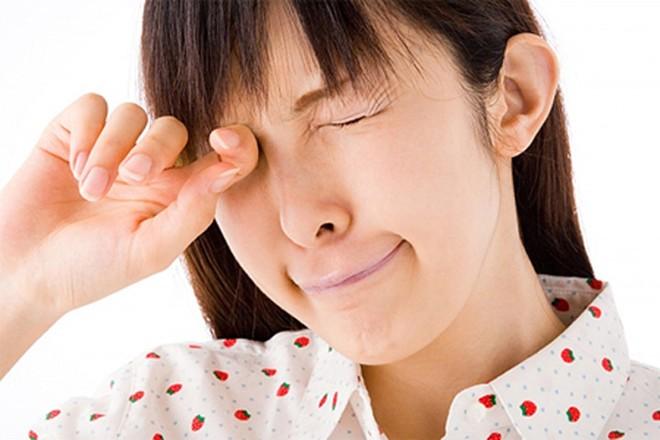 8 lý do khiến đôi mắt mờ đi từng ngày nhưng nhiều người không hề hay biết - Ảnh 4.