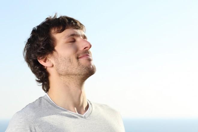 Hai việc nhất định phải làm để phòng tránh và thoát khỏi bệnh về phổi, hô hấp - Ảnh 1.