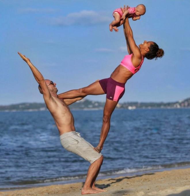 Gia đình Yoga nổi tiếng thế giới: Vì sao họ dành trọn đam mê và tình yêu cho Yoga? - Ảnh 2.