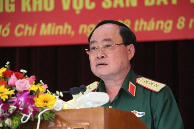 Giải tỏa 3 cây xăng, 50 kiốt giáp sân bay Tân Sơn Nhất - Ảnh 1.