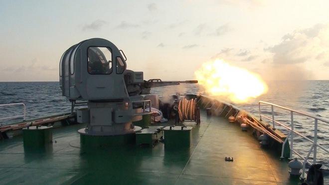 Ấn tượng quân sự Việt Nam tuần qua: Vũ khí hiện đại ra quân bắn đạn thật - Ảnh 4.