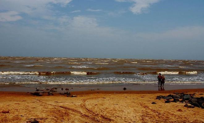 Hé lộ nguyên nhân bí ẩn khiến bãi biển ở Uruguay, Brazil bỗng nhiên cạn ráo - Ảnh 4.